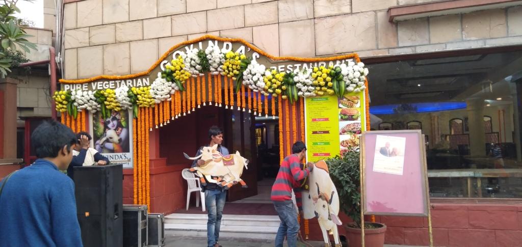 iskcon temple delhi restaurant