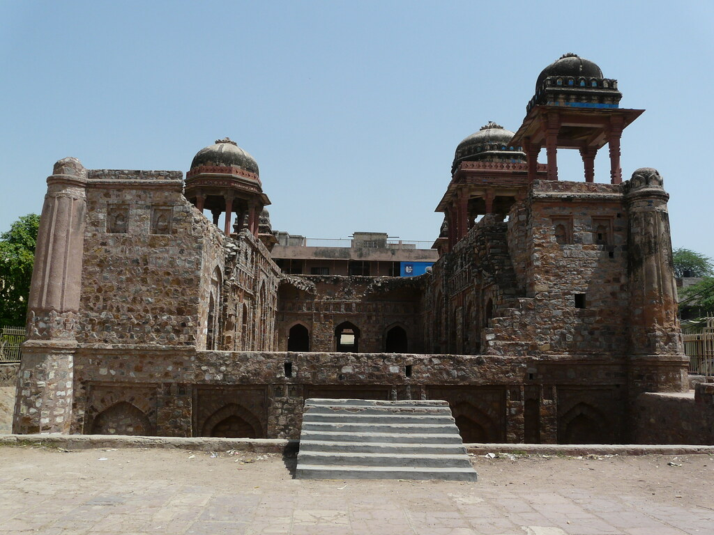 Architecture of Jahaz Mahal
